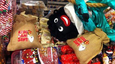 zwarte_piet_sinterklaas_supermarkt_hellevoetsluis